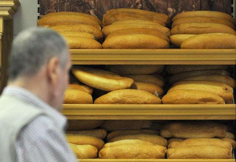 Azərbaycanlılara yemlik taxıldan bişirilmiş çörək satırdılar
